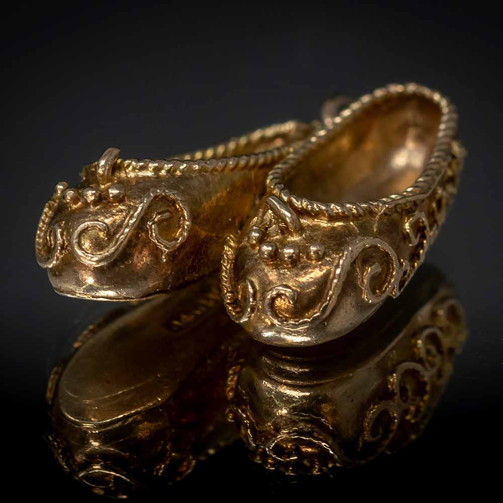 Vintage Charms, Nouveau Jewellers, Persian charm, Persian Slippers Gold Charm, slippers charm