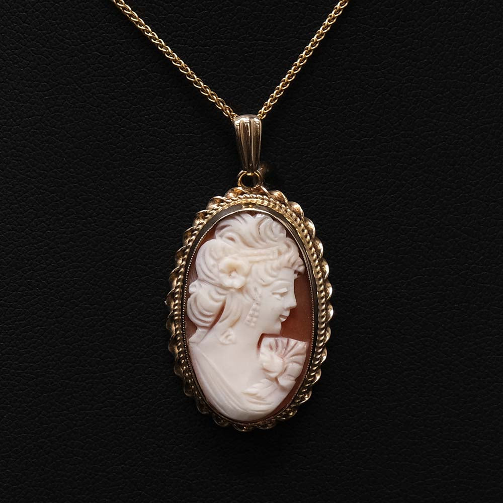 9ct Gold Cameo Pendant Necklace close up, sold at Nouveau Jewellers in Manchester