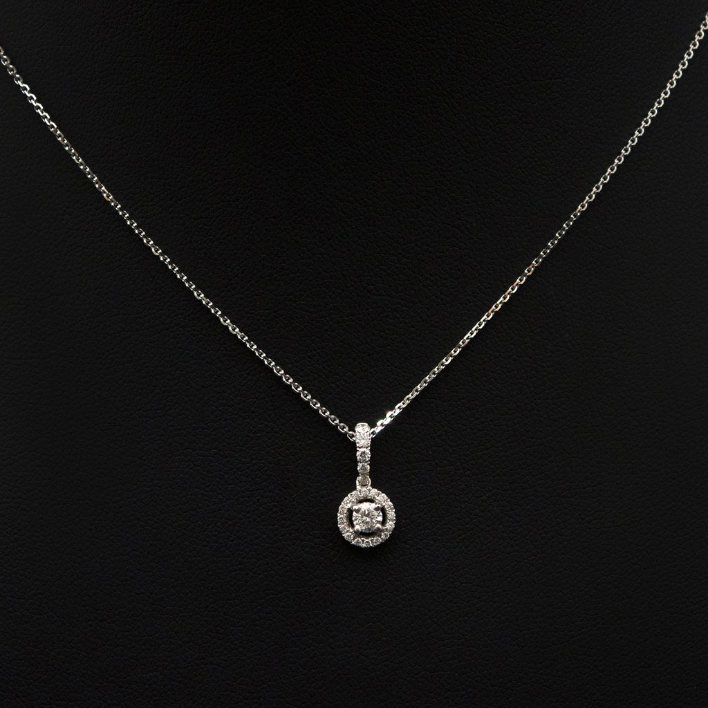 Nouveau Jewellers, 18ct White Gold Diamond Halo Pendant, brilliant cut diamond necklace, manchester jewellers