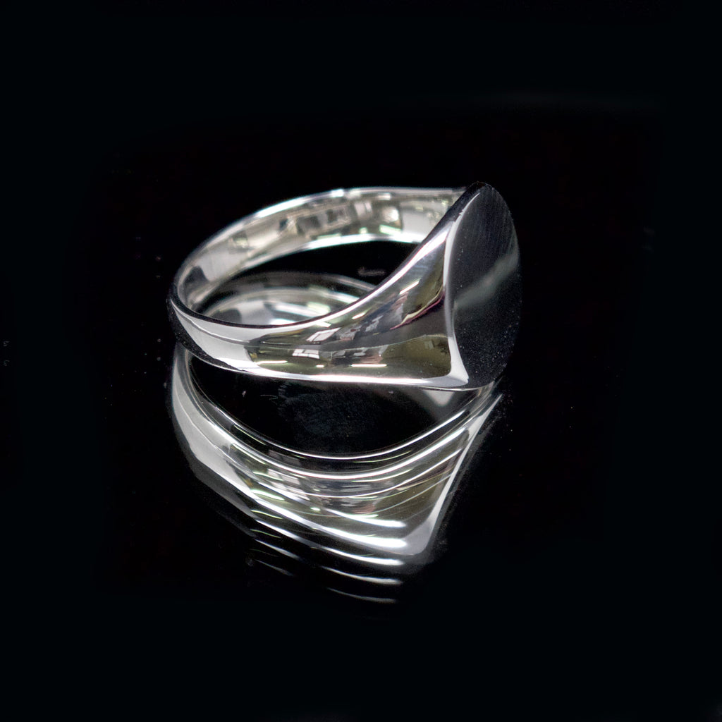 silver round signet ring, nouveau jewellers, signet ring engraving, jewellers in manchester