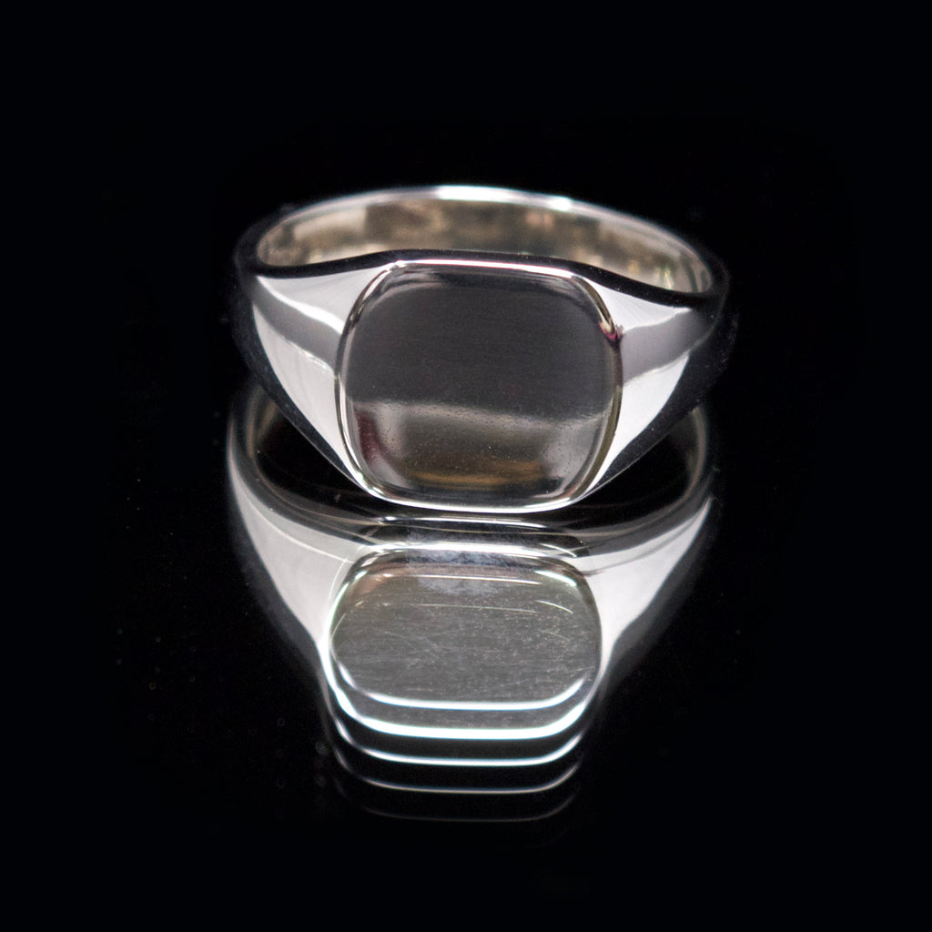silver cushion signet ring, nouveau jewellers, signet ring engraving, jewellers in manchester