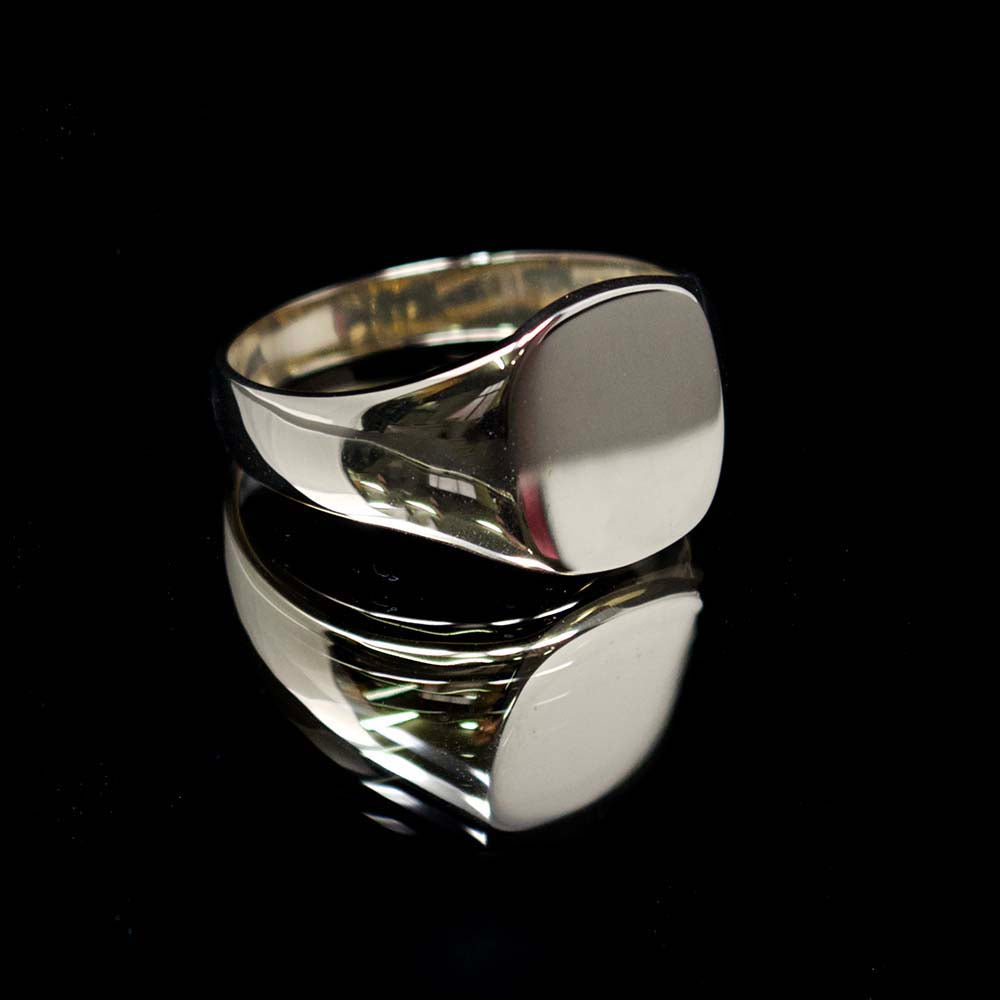 Gold signet ring, nouveau jewellers, mens gold signet ring, jewellers in manchester