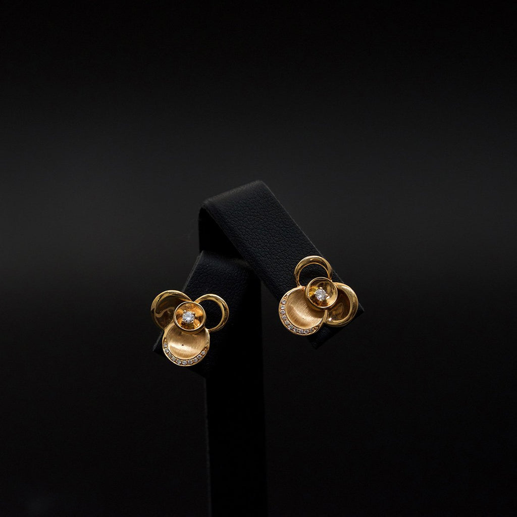 18ct Gold & Diamond Floral Stud Earrings - Nouveau Jewellers