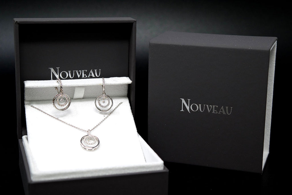 NJER1499, box, diamond stud, diamond set, earing and necklace set, nouveau jewellers, manchester jewellers, independent jewellers, diamonds, gold, white gold, earrings, diamond earrings
