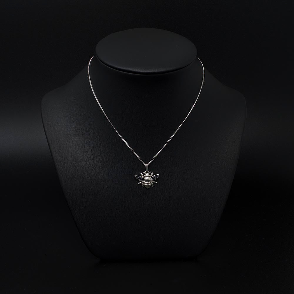 Beehive collection, nouveau jewellers, manchester bee jewellery, silver bee necklace