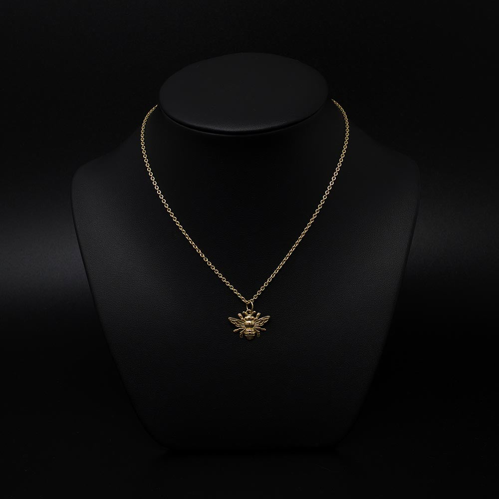 Beehive collection, nouveau jewellers, manchester bee jewellery, solid gold bee pendant