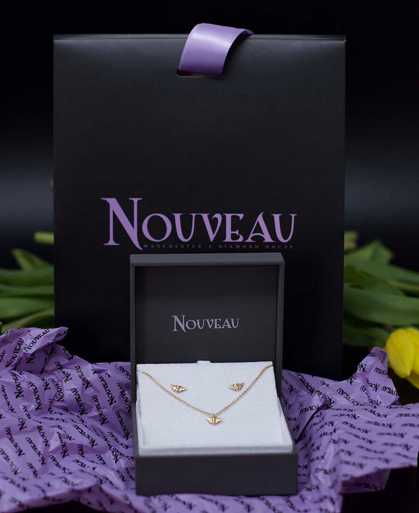 Nouveau Jewellers, jewellery gift set, Yellow Gold Beehive Collection, Bee bracelet, Bee stud earrings, Manchester independent jewellers