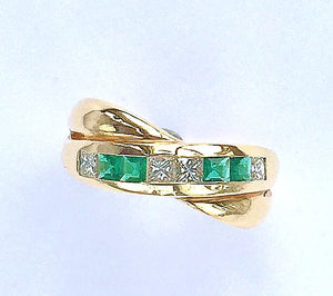 Diamond and Emerald 18 Carat Gold Crossover Ring