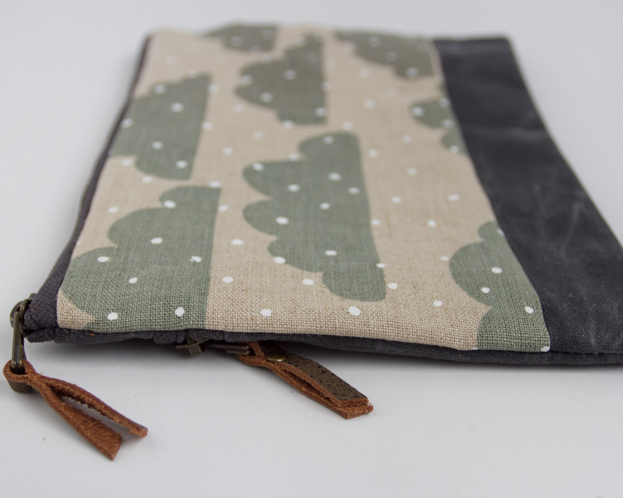 Large Double-Zipper Pouch -   Snow