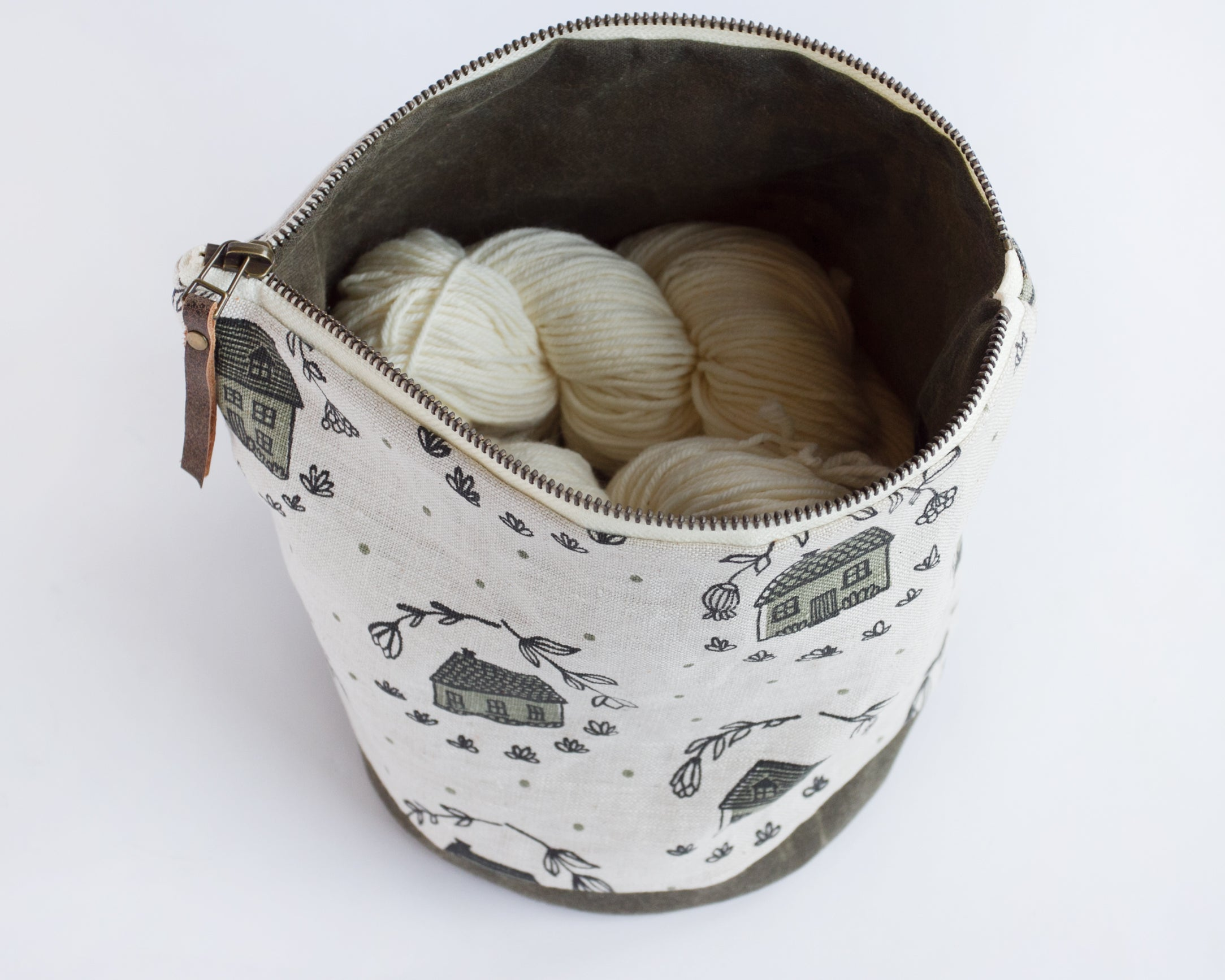 Large Round Pouch - Home