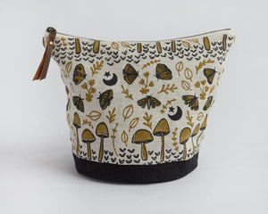 Large Round Pouch - Mushrooms and Moths