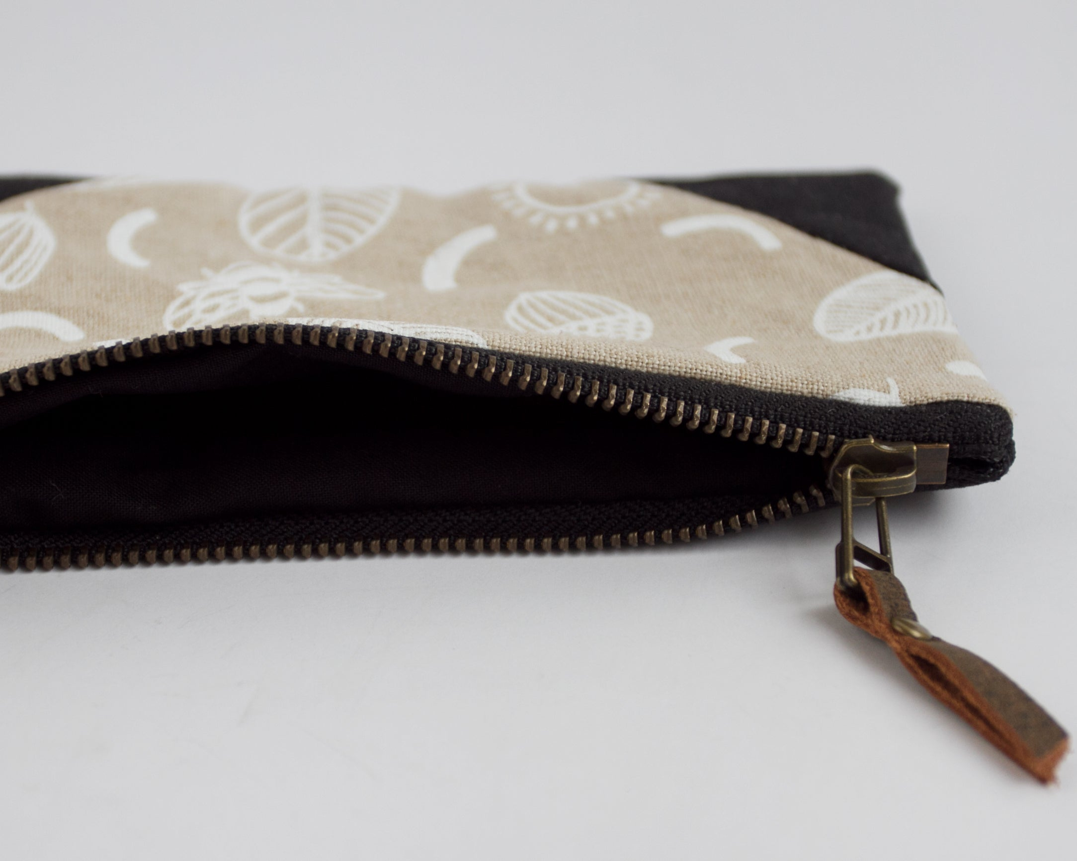 Small Double-Zipper Pouch - Sunny Day (black and white)
