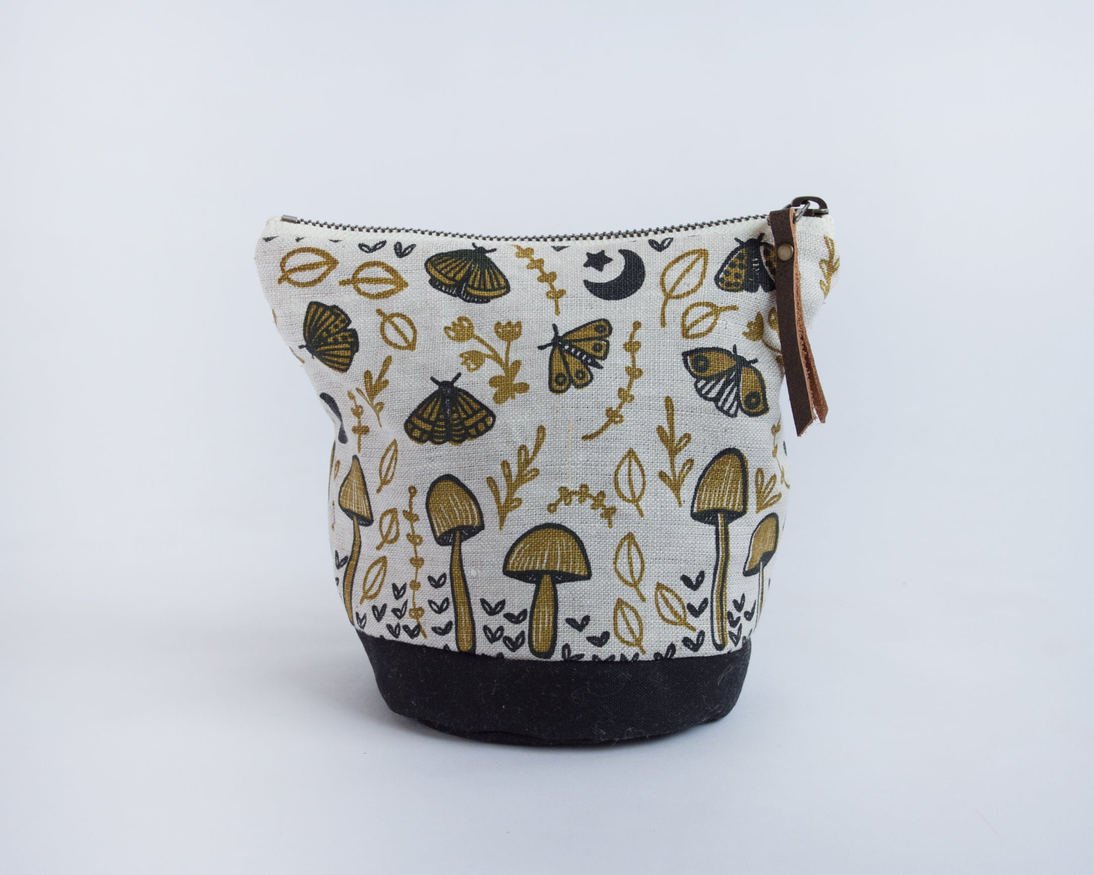 Small Round Pouch - Mushrooms and Moths