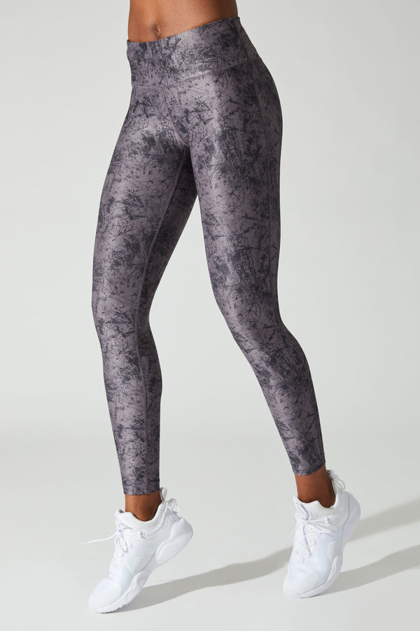 MPG Sport's clearance warehouse women's Shoreline 7/8 Printed Legging in Violet Smoke Texture