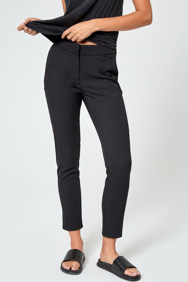 Modern Ambition work-ready women's Trailblaze High-Rise Slim Twill Trouser in Black