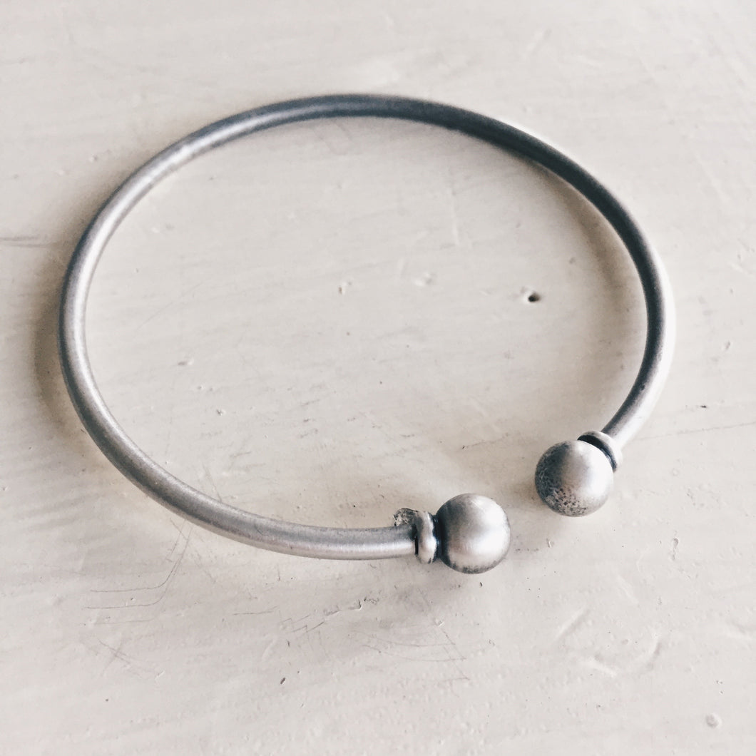 rounded ends cuff