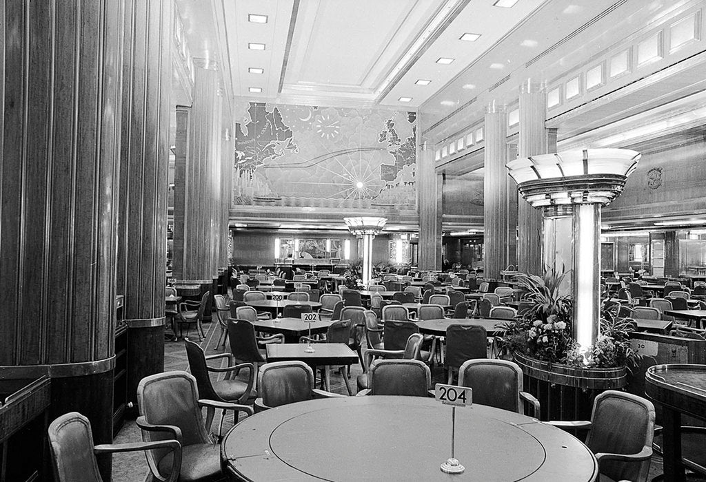 Detail of Dining area of the Cunard liner RMS 'Queen Mary' (1936) by unknown