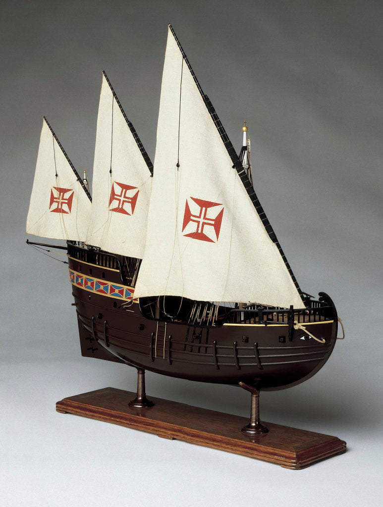 Detail of A full hull model of a Portugese caravel by Museu de Marinha