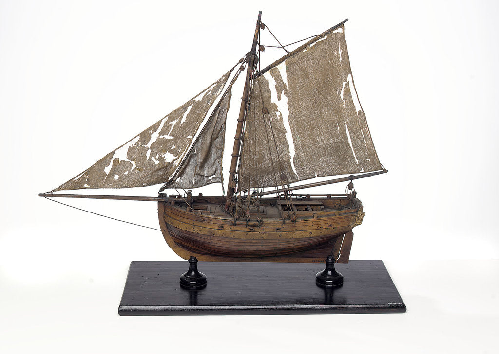 Detail of Full hull model, cutter type yacht, port broadside by unknown