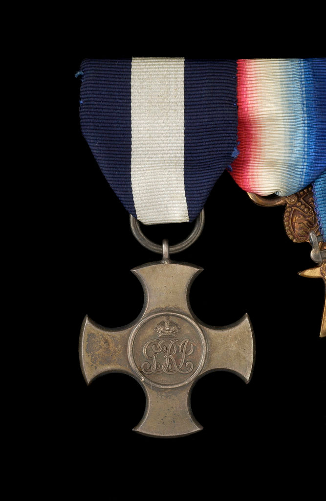 Detail of Distinguished Service Cross 1914-36, obverse by Garrard & Co.