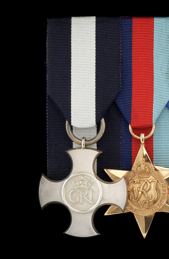 Detail of Distinguished Service Cross, obverse by unknown