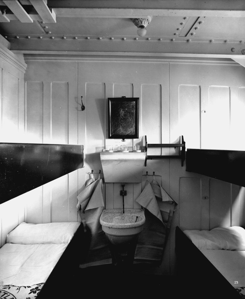 Detail of Third Class cabin on the 'Balmoral Castle' (1910) by Bedford Lemere & Co.