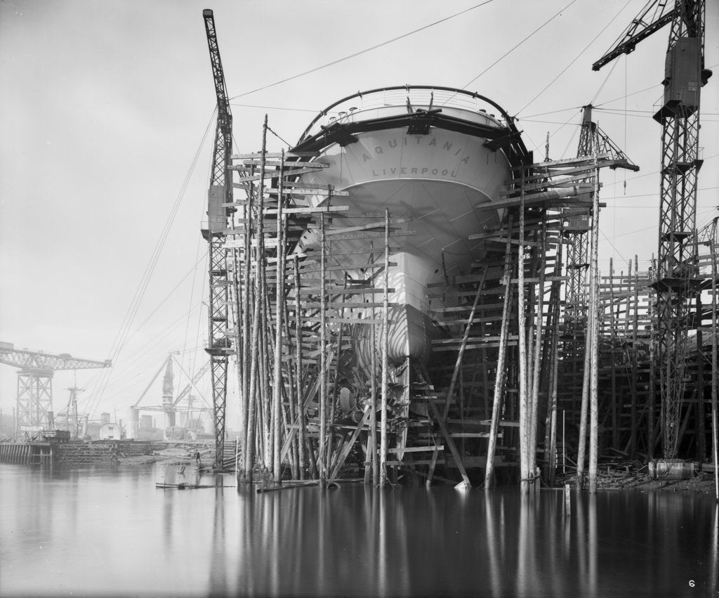 Detail of Stern view of 'Aquitania' (1914) on the stocks by Bedford Lemere & Co.