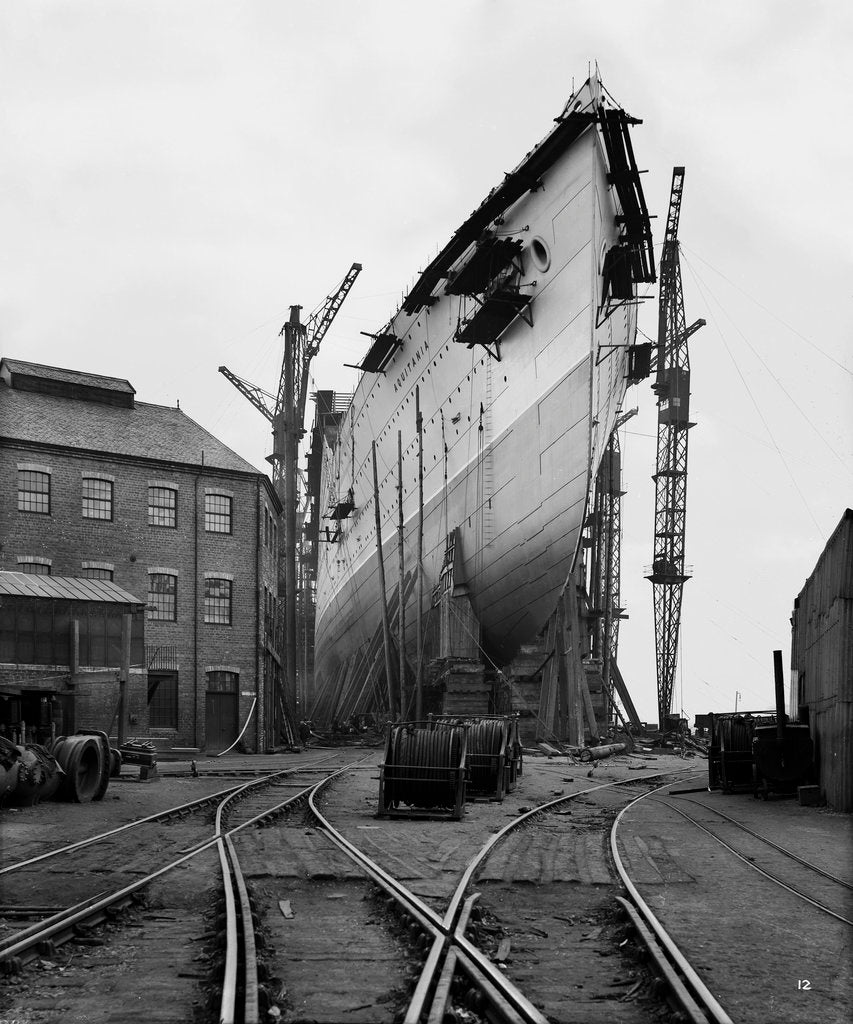 Detail of Bow view of the 'Aquitania' (1914) on the stocks by Bedford Lemere & Co.