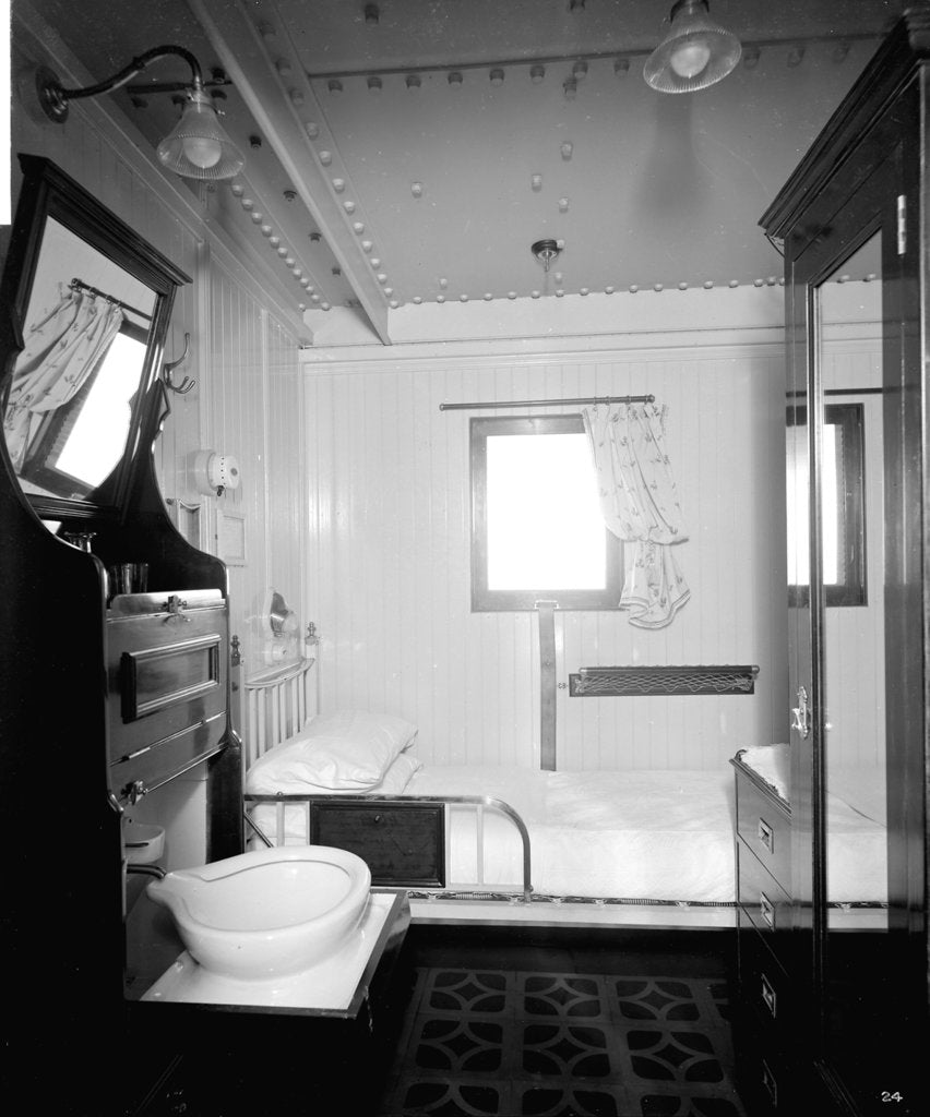 Detail of First Class stateroom on the 'Llandovery Castle' (1914) by Bedford Lemere & Co.
