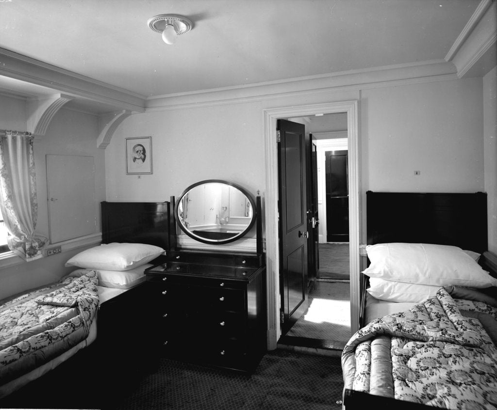 Detail of First Class suite on the 'Aquitania' (1914) by Bedford Lemere & Co.
