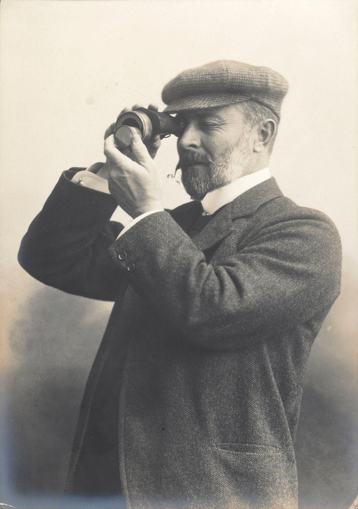 Detail of Cust demonstrating his Patent Rangefinder, circa 1904 by unknown