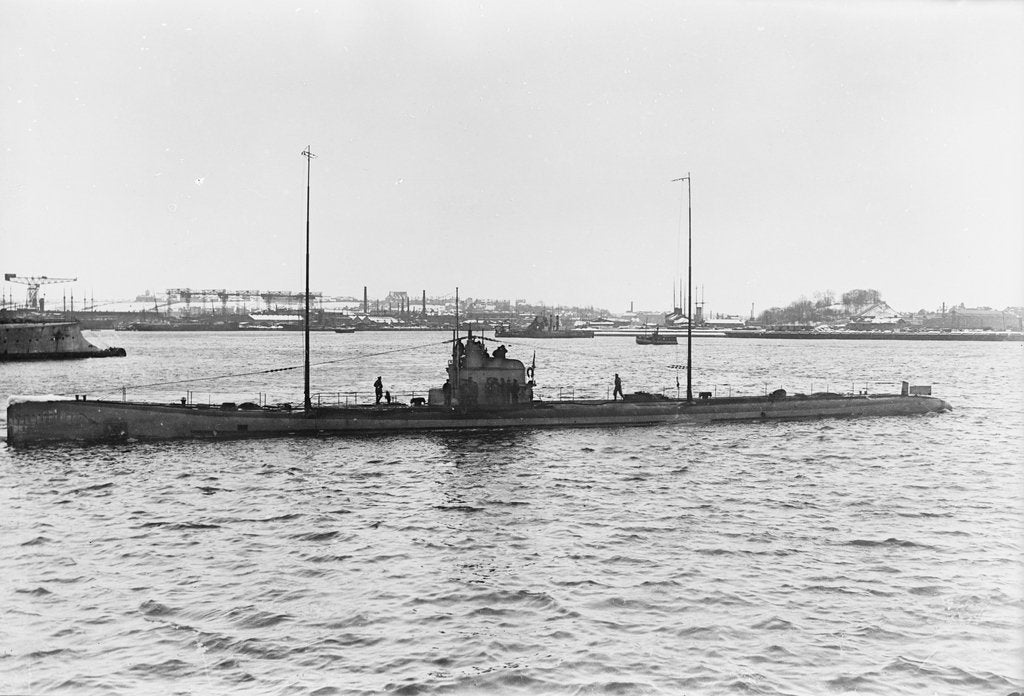Photograph of U90 (1917). A port near beam from just forward of broadside view in 1917 by unknown