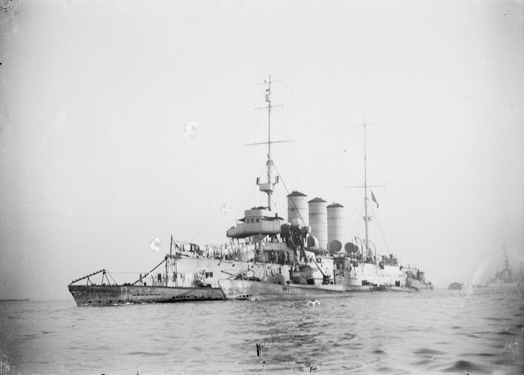 Detail of Protected cruiser 'Libia' (It, 1912), with surrendered German submarines. by unknown