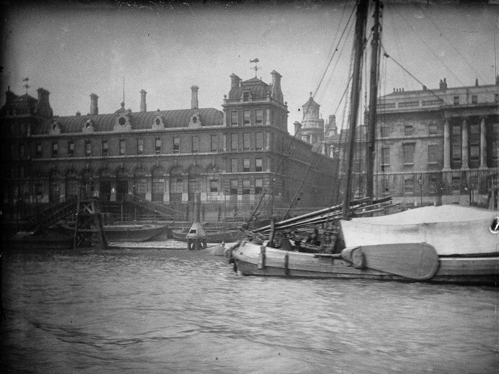 Detail of View from the Thames just east of Blackfriars Bridge, looking north towards the river frontage of Billingsgate Market (on left) and the Custom House (on right), 1907 by unknown