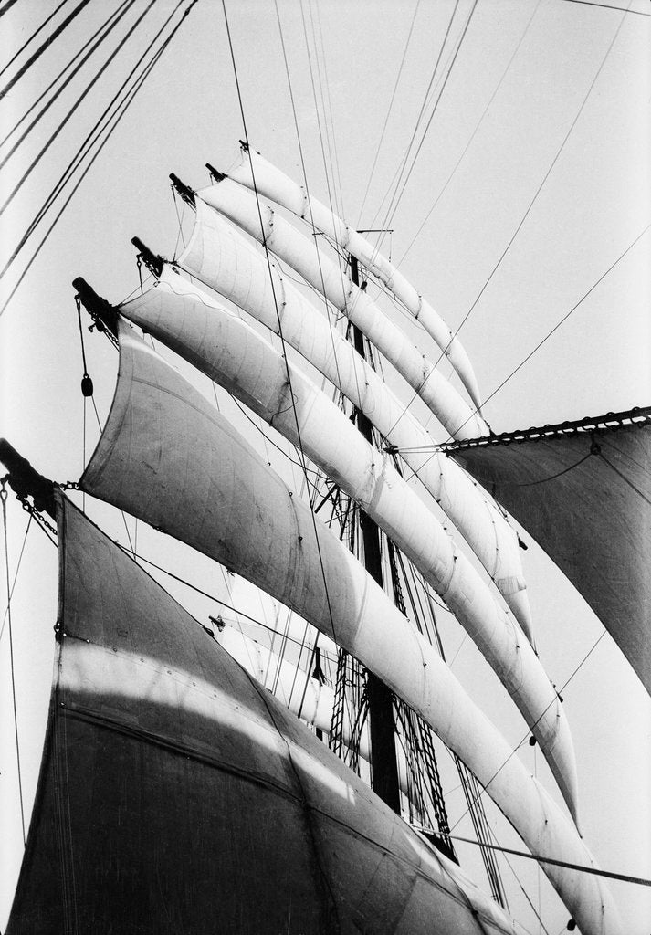 Detail of Under sail, all set and drawing by Alan Villiers