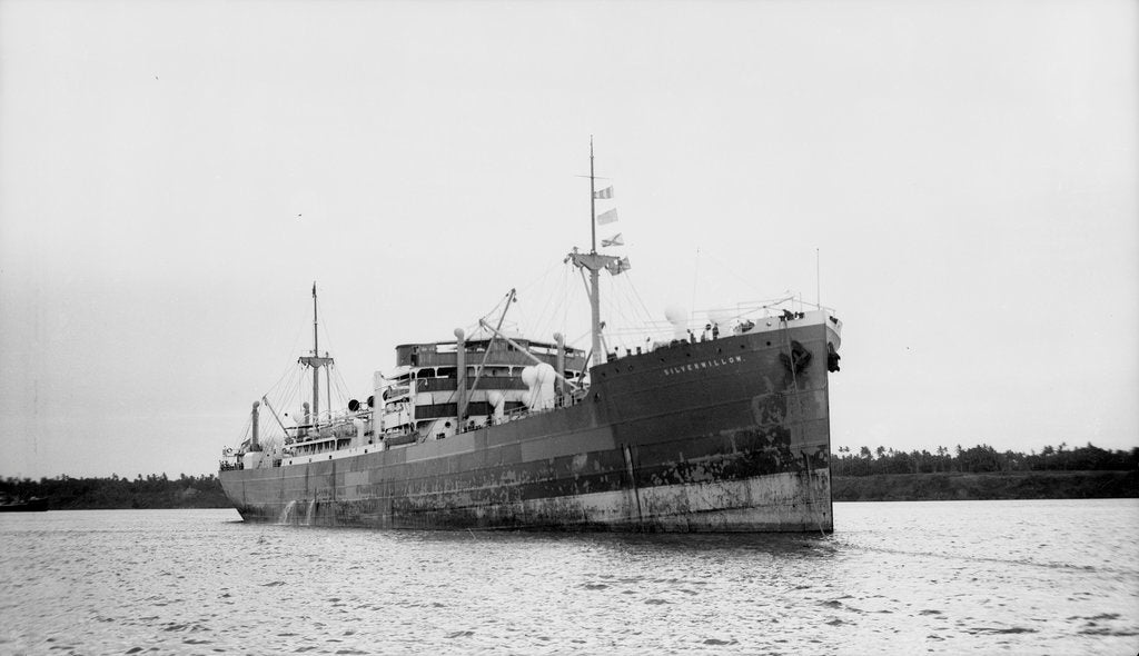 Detail of Silverwillow' (Br, 1930) at Mombasa, under way by unknown
