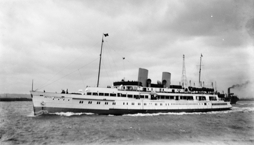 'Royal Daffodil' (Br, 1939) under way in the Thames by unknown