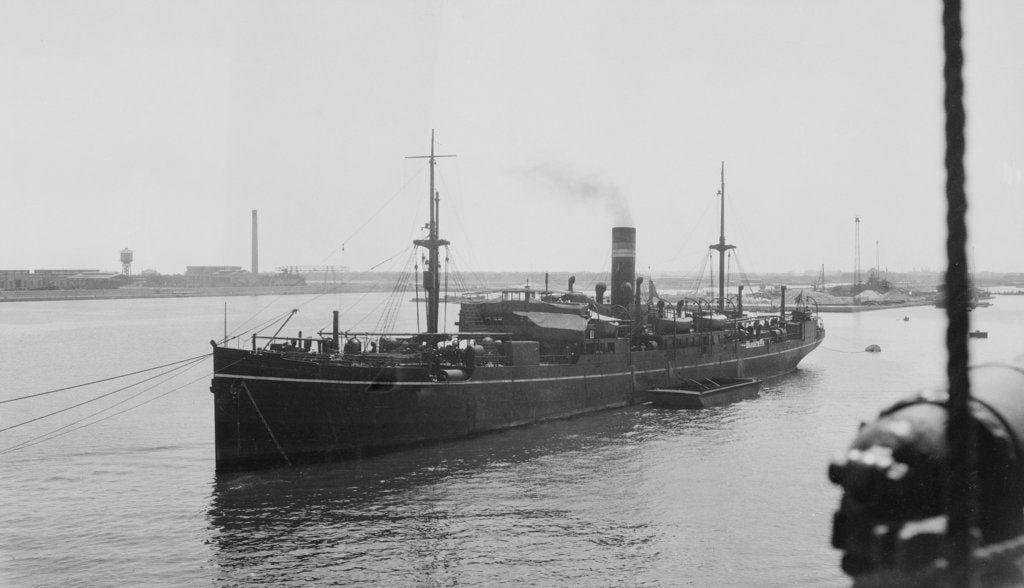 Detail of General cargo vessel 'Sultania' (Br, 1907), anchored and moored at Port Said by Anonymous