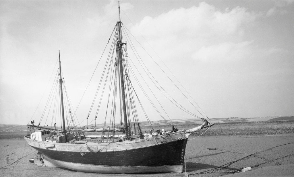 Detail of 'Garlandstone' auxilary ketch, dried out at Braunton Pill by unknown
