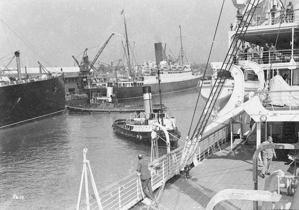 Detail of 'Aquitania', 'Alaunia' and 'Orford', with the tugs 'Canute' and 'Wellington' at Southampton by Marine Photo Service