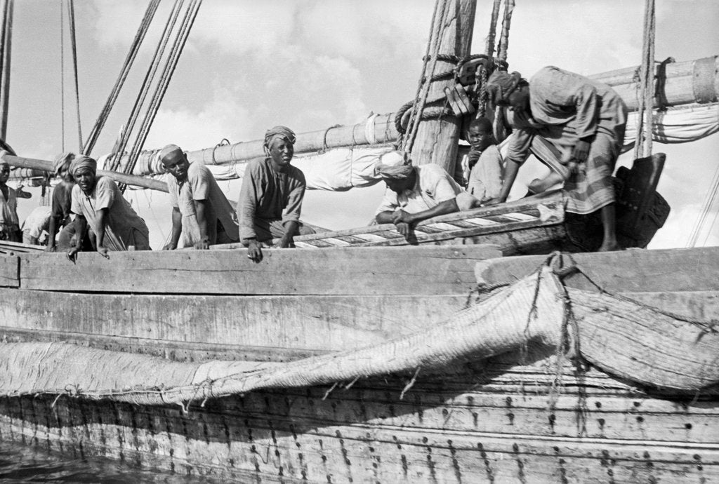 Detail of Rigging the bulwarks, Zanzibar by Alan Villiers
