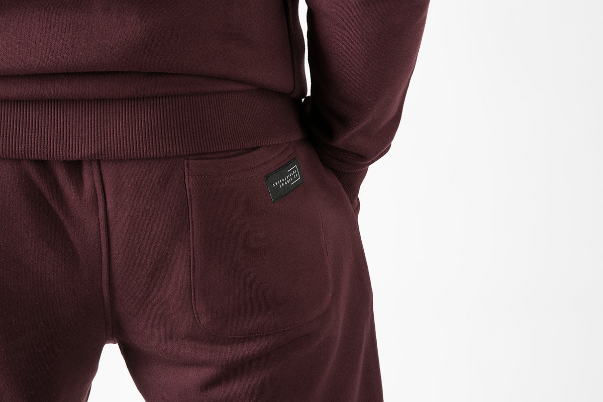 Core Sweat Shorts with Graphic Print in Burgundy