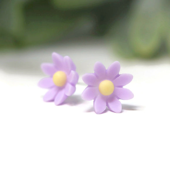 Plastic Post or Invisible Clip On Metal Free Wildflower Earrings 9mm