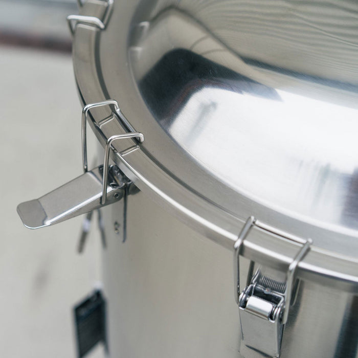 7-gallon Ss Brewtech Chronical Fermenter's clamps for Lid Retention