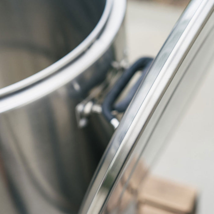 The Lid-Handle Combo on the Ss Brewtech Stainless Steel Mash Tun