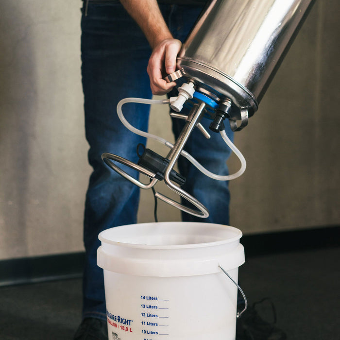 Clean your kegs in batches by buckets with cleanser, rinse water, and sanitizer.