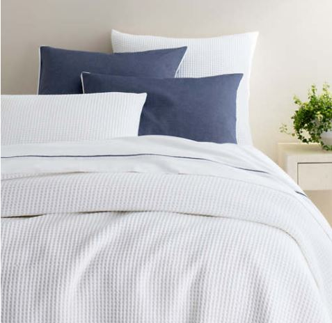 Bubble White Matelasse Coverlet Queen