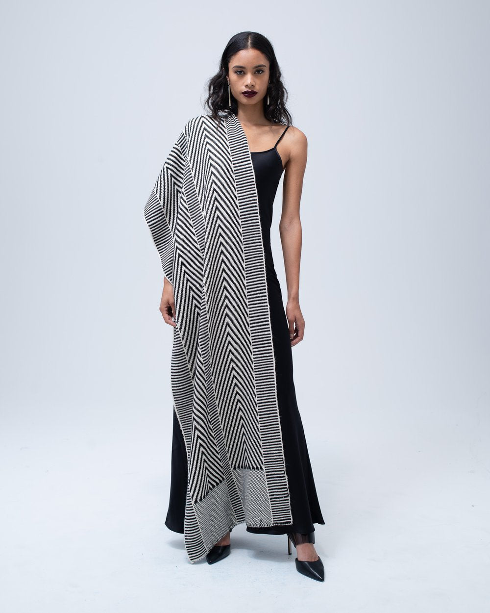 Chevron Shawl Dark Ivory/Black