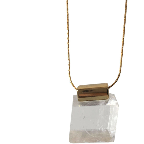 Chu Necklace with Calcite with Gold Necklace