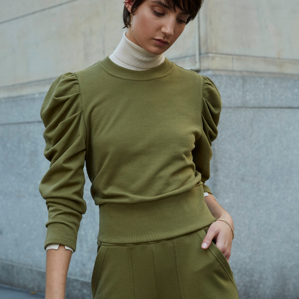 The Just Enough Puff Sweatshirt Long Sleeve In Olive